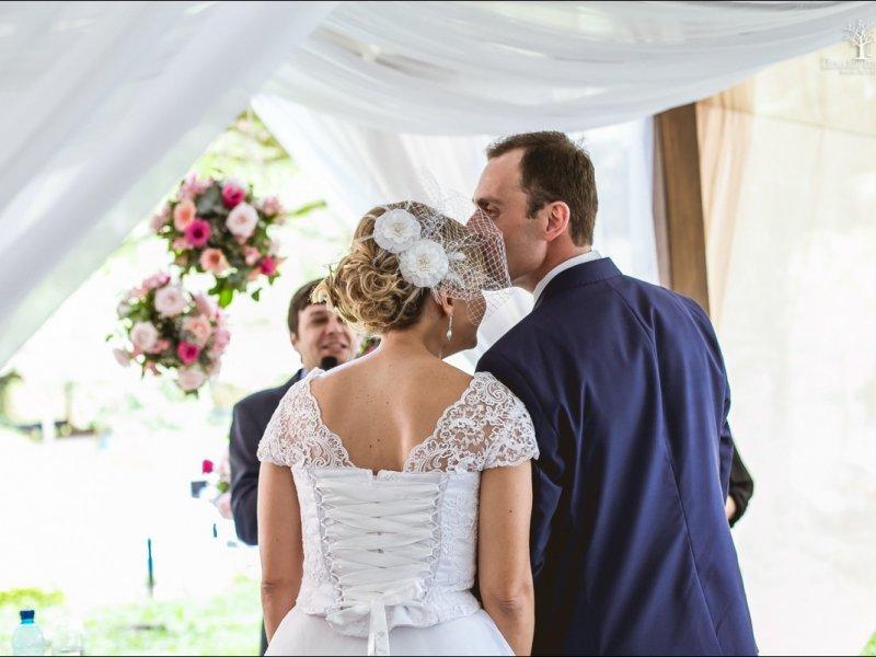 Decoração flores suspensas - Casamento